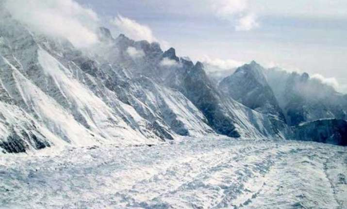dead body of one of ten soldiers recovered from siachen