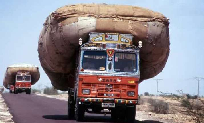 delhi to launch drive against overloaded vehicles