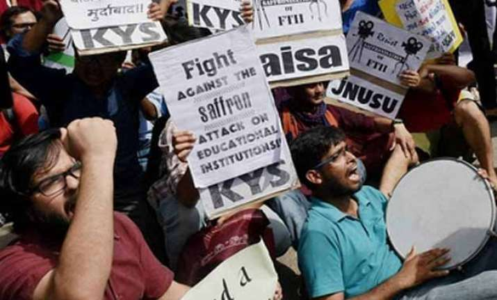 ftii row govt refuses to reconsider gajendra chauhan s