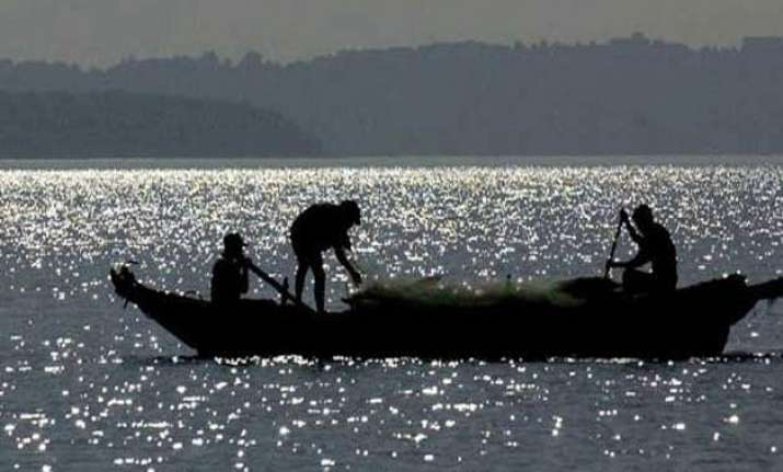 31 tamil nadu fishermen arrested by sri lankan navy