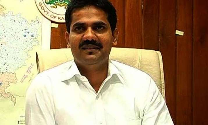 dk ravi made barely 4 calls not 44 to my wife husband of