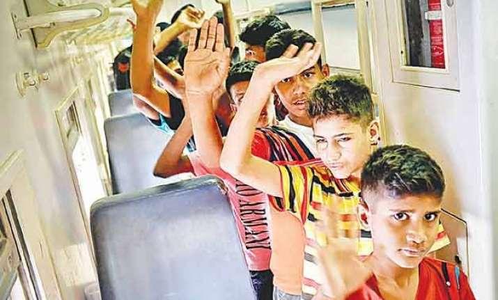 10 000 children take pledge against drug abuse in punjab