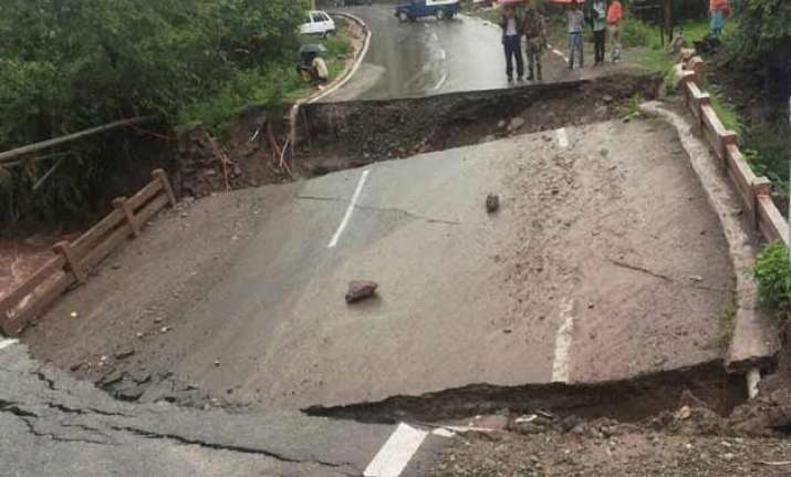 heavy rain creates havoc in north india 18 killed