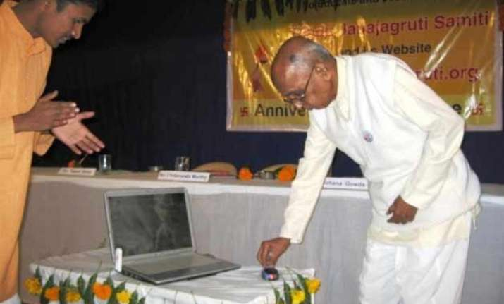 police heckles noted historian chidananda murthy in