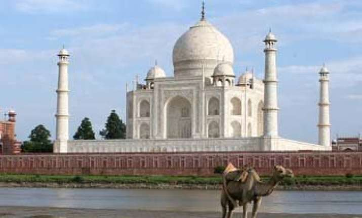 know why you should visit agra the taj city