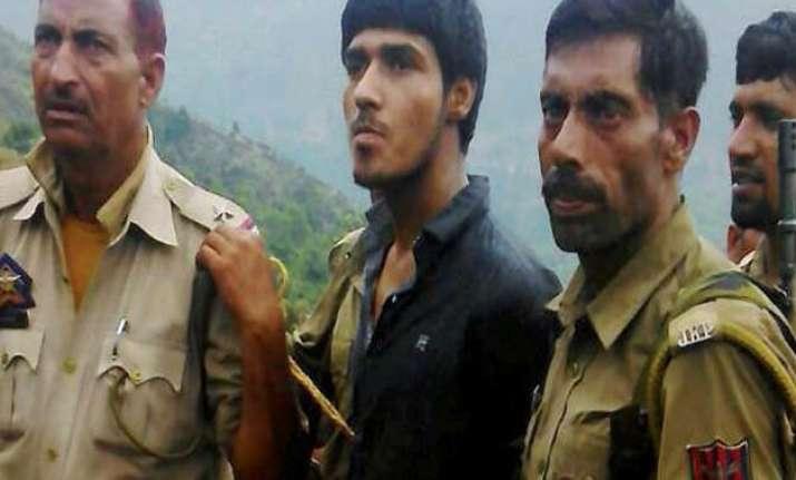 india to give pakistan evidence on pakistani terrorists