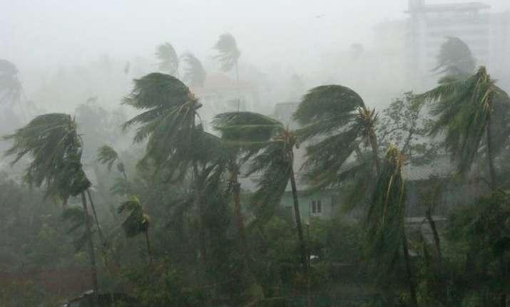 cyclone hudhud likely to hit andhra odisha coasts tomorrow
