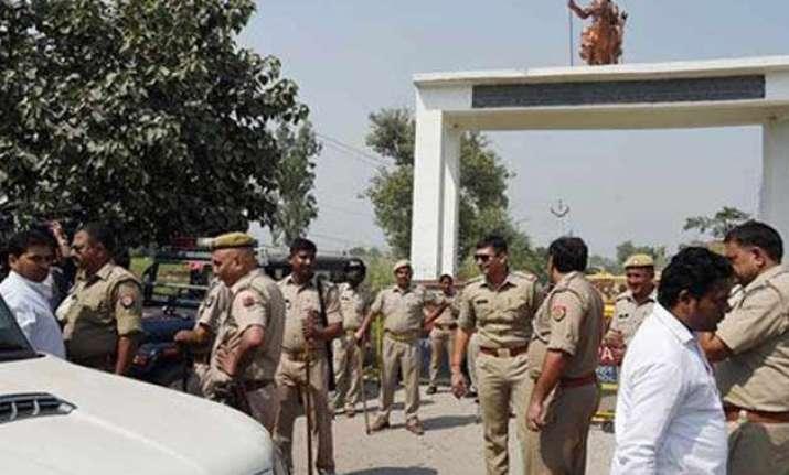 dadri family moves to delhi peace march held in village