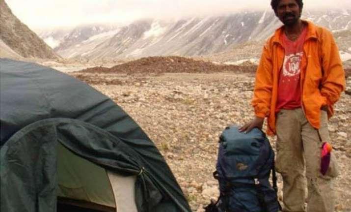 mountaineer malli mastan babu s body to reach nellore today