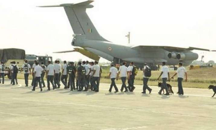 indian air force planes fetch 546 people back from kathmandu