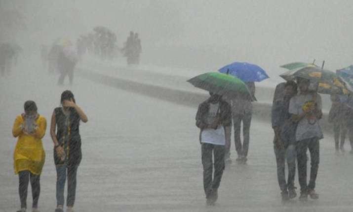 heavy rains lash western coast to continue for next 3 days