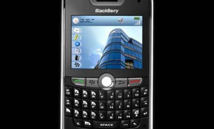 blackberry gives in agrees to monitoring of its services