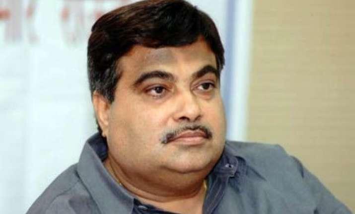 bjp ups ante on cwg irregularities demands jpc probe