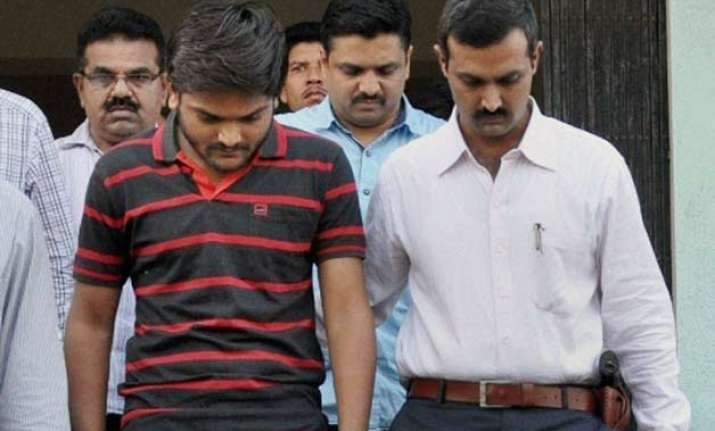 hardik patel sought to block roads if arrested before india