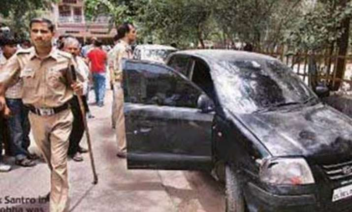 delhi police wasted precious time in tracing santro