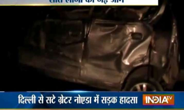 seven dead in road accident near pari chowk in greater noida