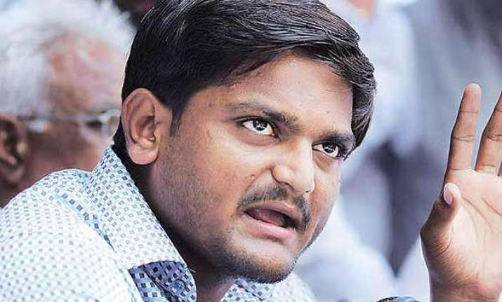 hardik patel arrested for insulting tricolour