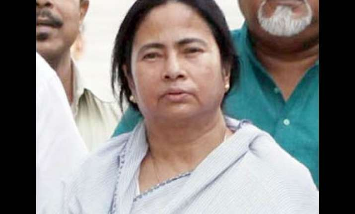 mamata demands immediate assembly polls in wb