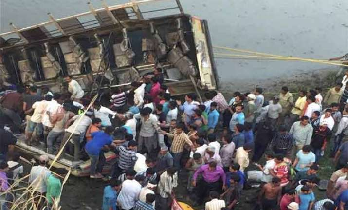 at least 36 dead 25 injured as bus plunges into river in