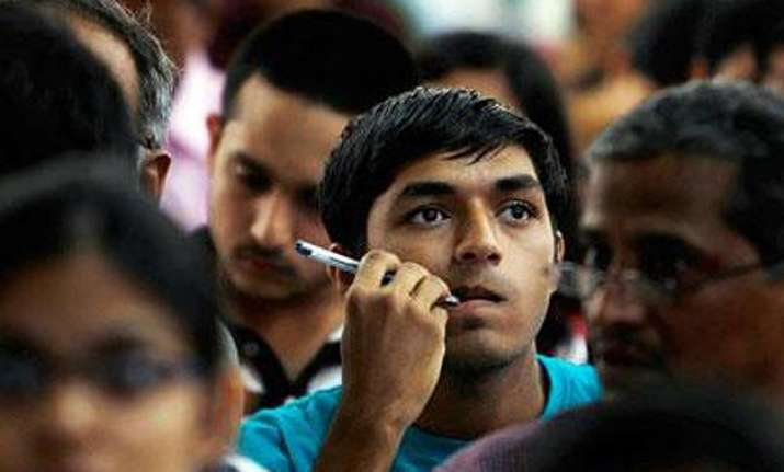 90 000 indian students apply for us visa 4 000 make the cut