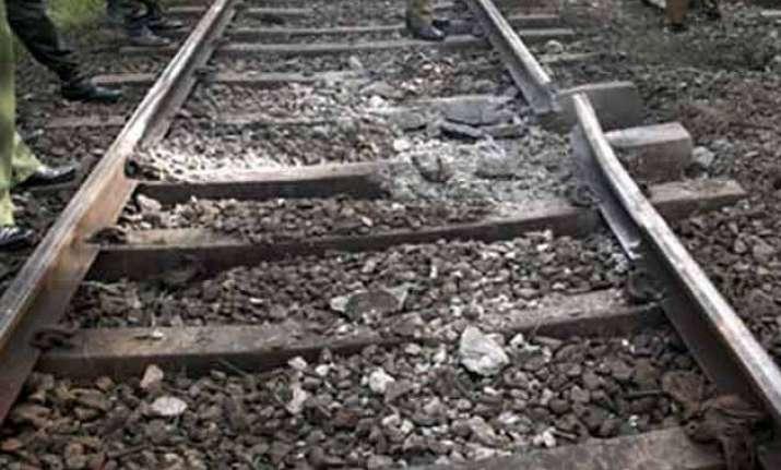 maoists threatens to blow up railway tracks in bihar seek