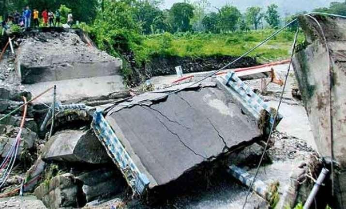 darjeeling landslide toll increases to 40 16 persons missing