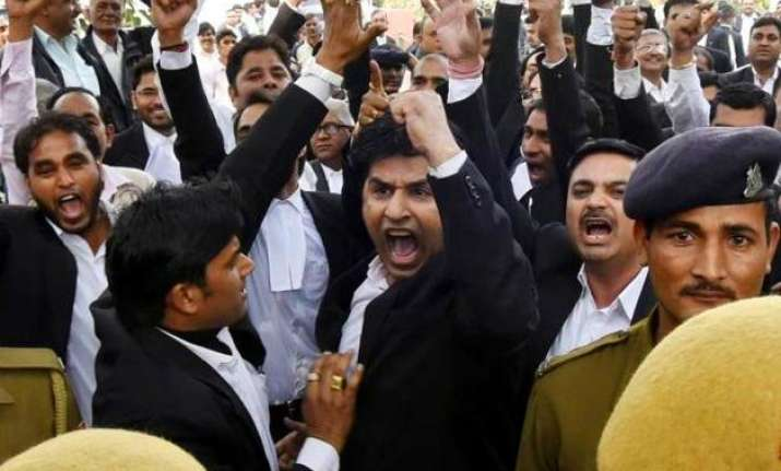 patiala house clash bci to take action against guilty