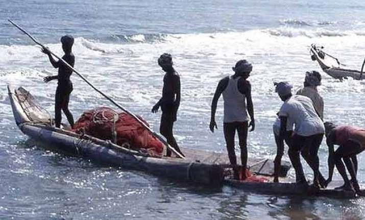 29 tamil nadu fishermen detained by sri lankan navy