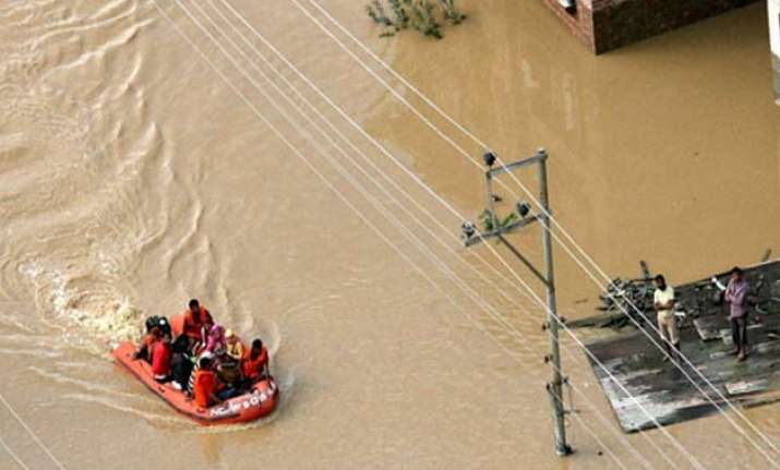 100 ndrf personnel to rush to kashmir valley