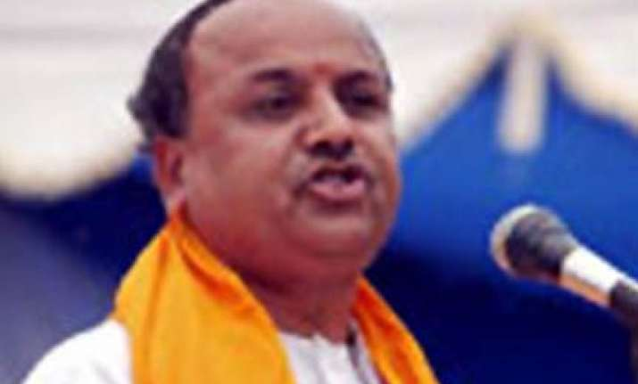 togadia sees organised conspiracy in nityanand swami scandal