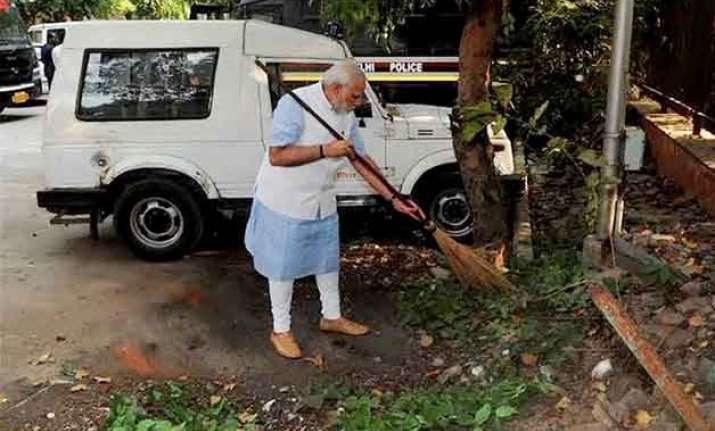 cabinet clears the way of private funding of swachh bharat