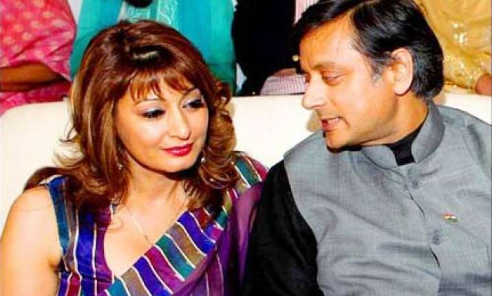 divorcee tharoor set to marry sunanda on aug 17