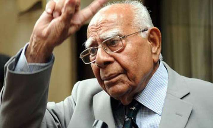 ram jethmalani attacks new law on judges appointment