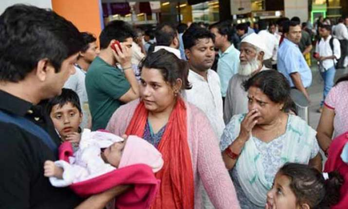 quake delhi government activates disaster management teams