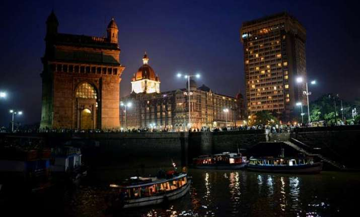 top 10 places that you must visit in mumbai