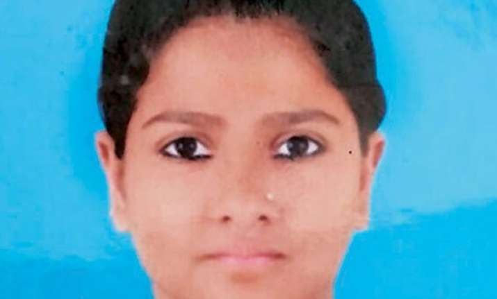autopsy says meenakshi was stabbed 4 times not 32