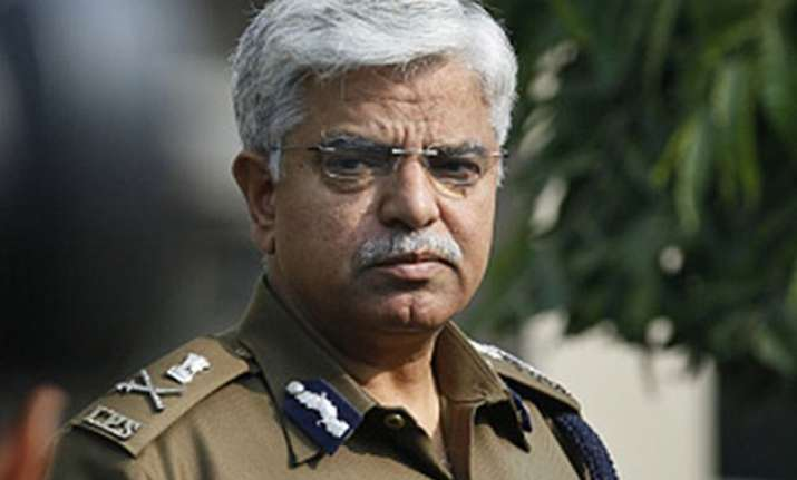 delhi police commissioner orders probe into farmer s