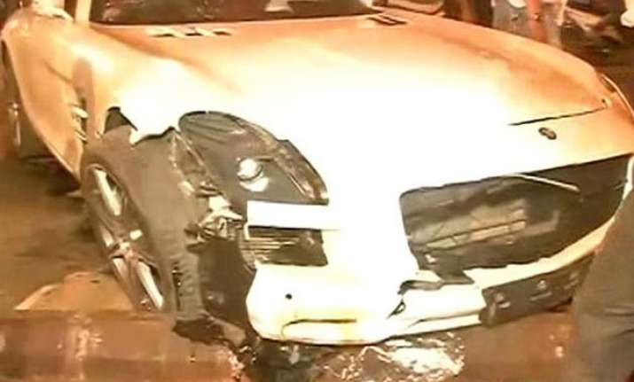 mumbai speeding mercedes car runs over 5 people sleeping on