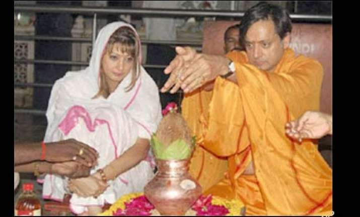 tharoor acknowledges sunanda as fiance