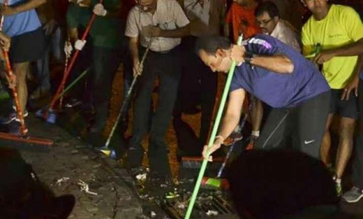 anil ambani takes swachh bharat abhiyan to badrinath