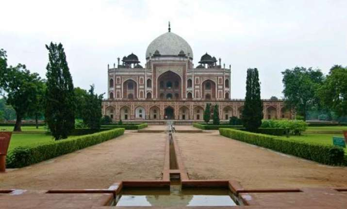 at humayun s tomb the king gets his crown back