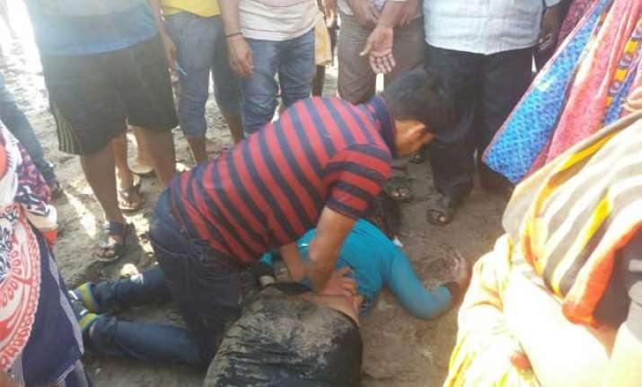 14 pune college students on picnic drown in sea in raigad