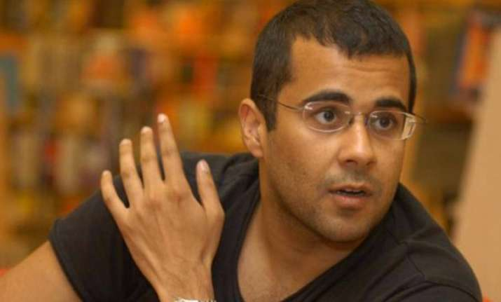 award wapsi has become fashion says chetan bhagat