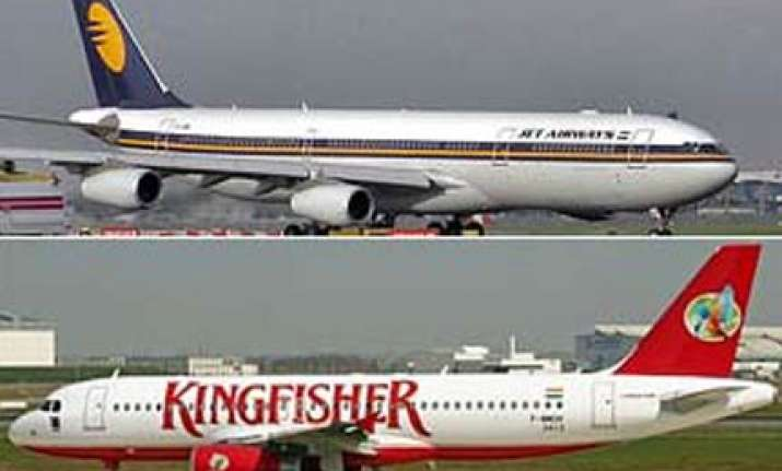 plane disaster averted at mumbai airport