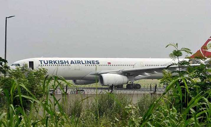 turkish airlines plane cleared for take off no bomb found