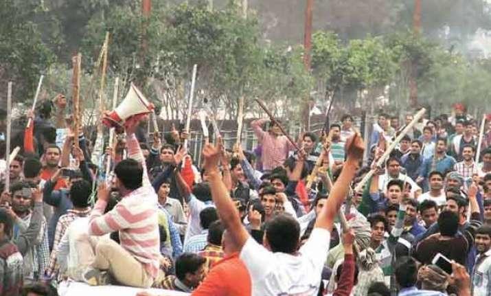 jat stir tension in jat dominated areas cm to visit rohtak
