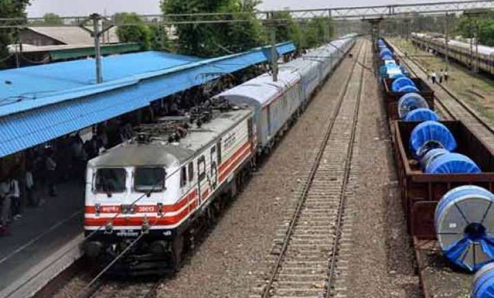 first high speed train on delhi agra section on nov 10