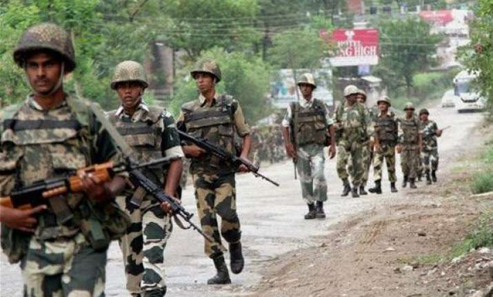 six injured in pakistan firing in jammu and kashmir