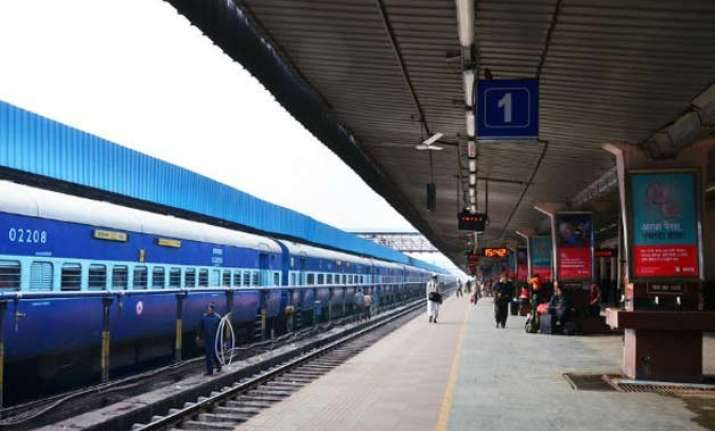 irctc offers meals in 1 356 pantryless trains