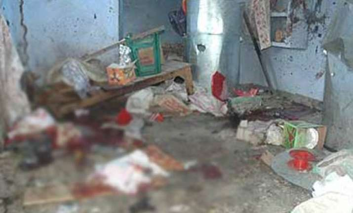 four killed in explosion in kanpur